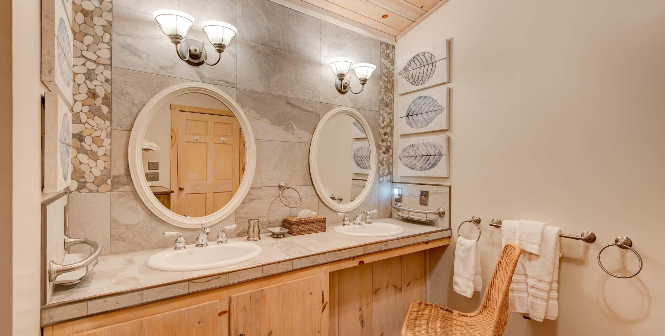 \Double vanity sinks