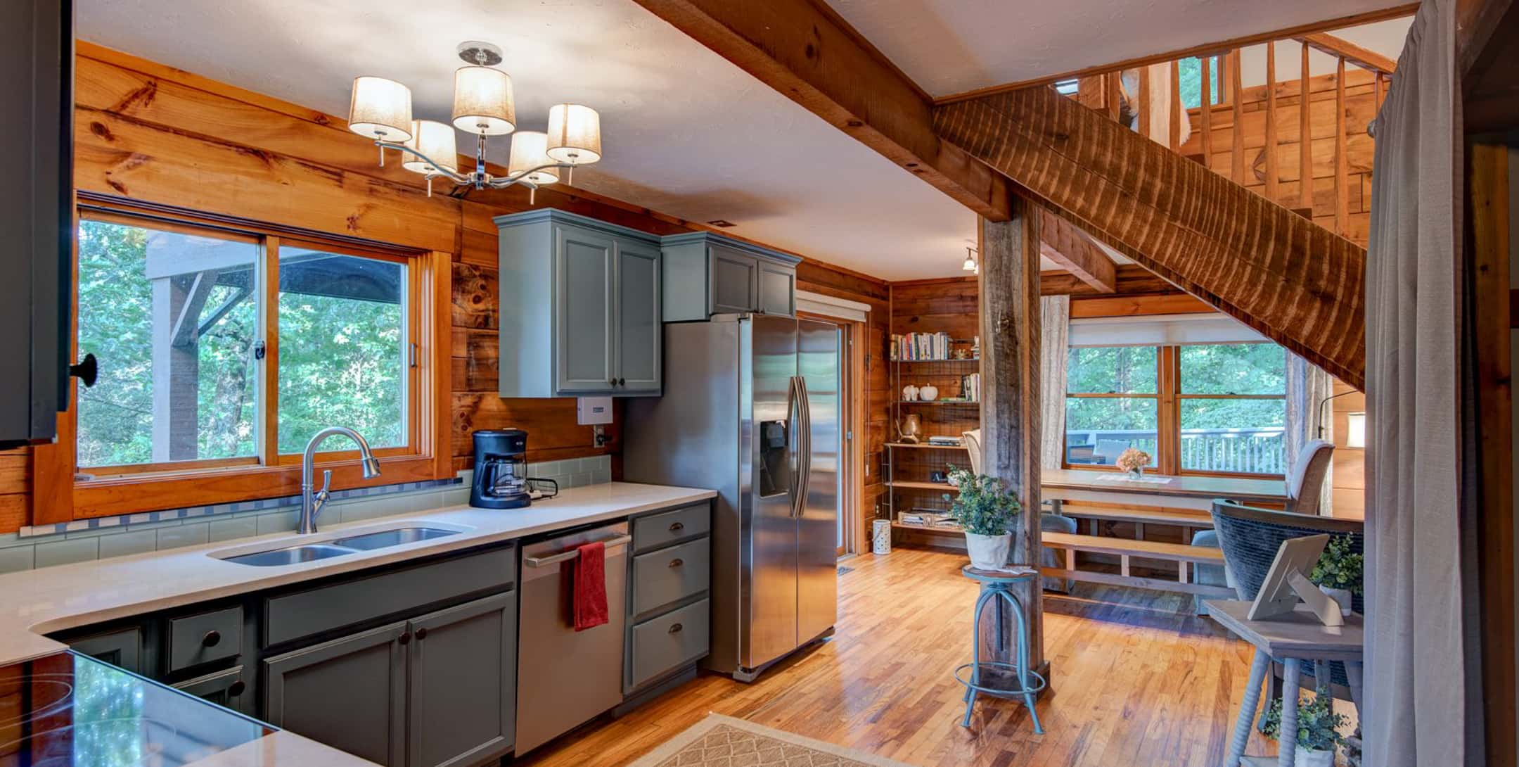 Spacious kitchen in the Raspberry Hill Cabin