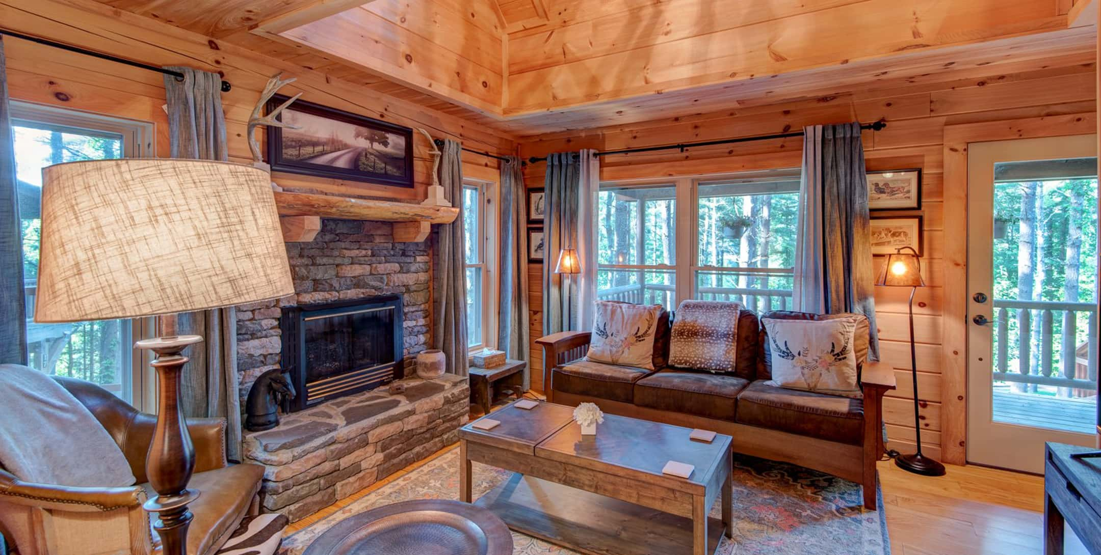 Living room in the Uncle Earl Cabin