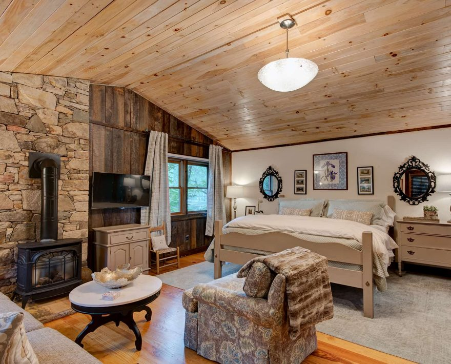 Gazebo Cabin Living Room