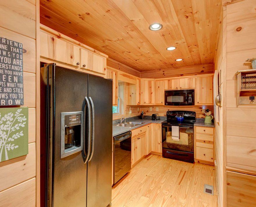 Mam's Refuge Cabin Kitchen