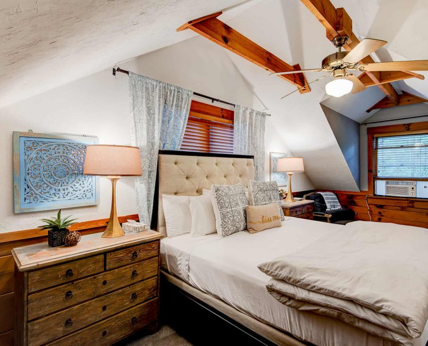 Raspberry Hill Cabin Bed