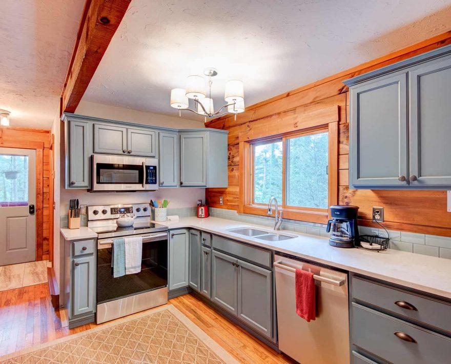 Raspberry Hill Cabin Kitchen