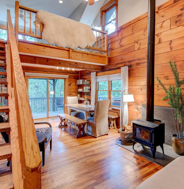 Raspberry Hill Cabin Living Room