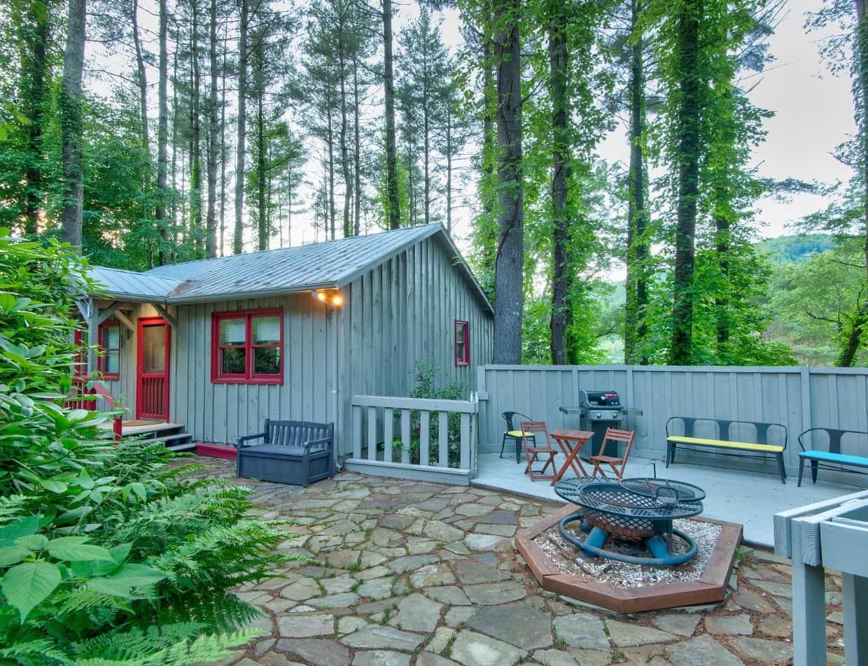Maple Spring Cabin for a North Carolina Mountain Retreat