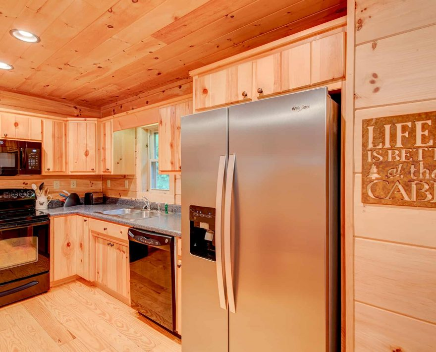 Uncle Earl's Cabin Kitchen
